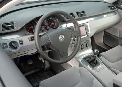 VW Passat Variant BlueMotion 200710 Cockpit